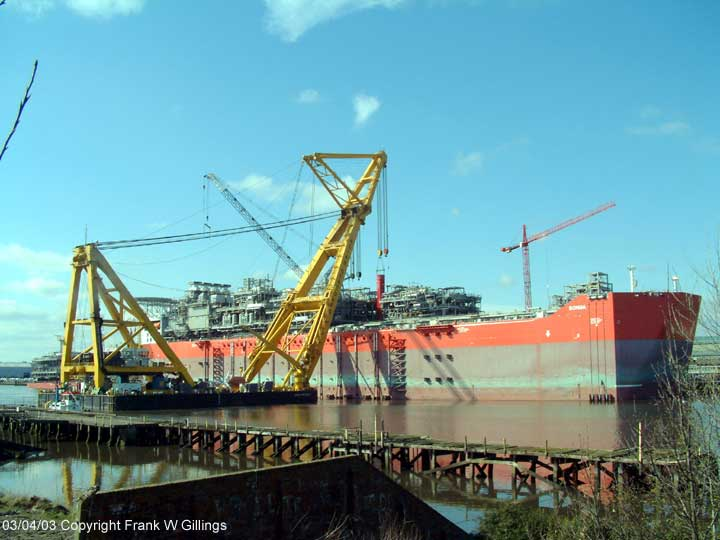 Asian Hercules II and the Bonga on the River Tyne. Fitting the main piperack